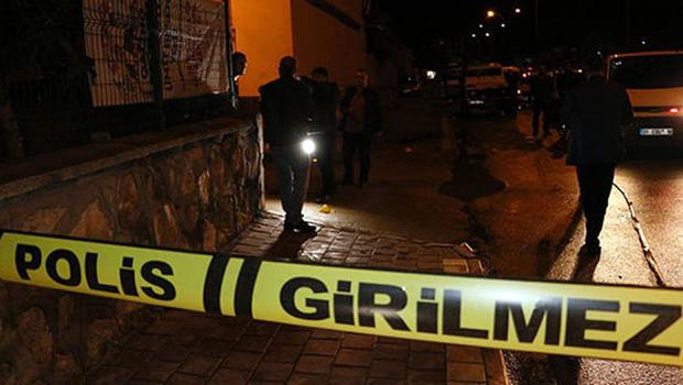 İki Araca Takılan Şüpheli Cihaz Polisi Alarma Geçirdi