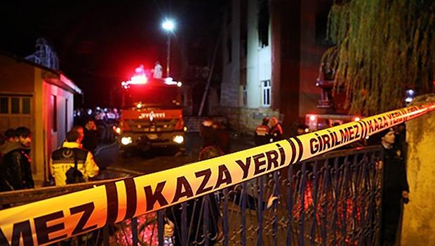 Adana'da İki ayrı kazada 8 kişi yaralandı
