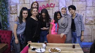 Beyhan Demirtaş, çocuklarla kucaklaştı