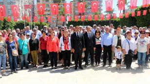 CHP 19 Mayıs'ı Ayrı Kutladı...