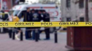 Üzerine Telefon Direği Devrilen Genç Yaralandı