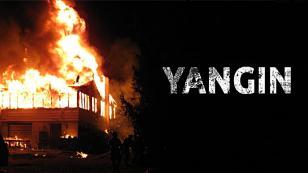Yangında mahsur kalan anne ve 2 çocuğunu itfaiye ekibi kurtardı