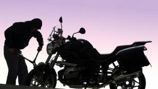 İşitme engelli gencin motosikleti çalındı