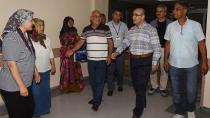 Demirtaş,  yaralı asker Zeki Aksoy'u tedavi gördüğü hastanede ziyaret etti