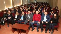 ÇÜ'de Bilim İnsanları İlköğretim Öğrencilerine Tüberküloz Eğitimi Verdi