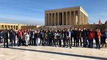 Çukurova Belediyesi her ay bir okulu Anıtkabir'e götürüyor...