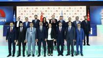 AK Parti Adana Milletvekilleri Vitrine Çıktı