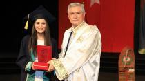 Fen Edebiyat Fakültesi 195 Öğrencisini Mezun Etti