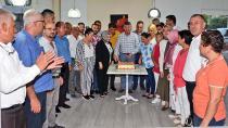 AK Parti Çukurova İlçeden 17. Yaş Pastası