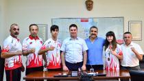 Ataşbak, başarılı sporcuları kutladı.
