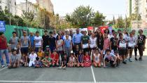 Tenis'de dereceye girenler ödüllendirildi...