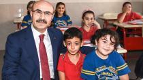 Vali Demirtaş, 'Çocuklarımızı seviyor ve çok önemsiyoruz'