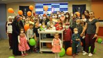 Gönüllü palyaçolar hasta çocuklara moral verdi