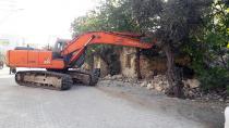 Kozan'da tehlikeli binalar yıkılıyor!
