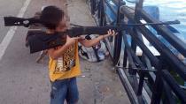 Ölümüne Neden Olan 5 Yaşındaki Oğlunu Silahla Oynatıyormuş