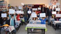 Karaisalı'da Öğrenciler Karne Sevincini Başkan Aslan ile Paylaştı