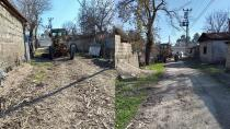 Ceyhan Belediyesi selden zarar gören yolları onarıyor!