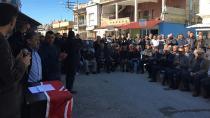 Karataş Halkı Boğaçhan Ünal'ı Tutuyor!