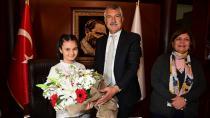 Adana'da miniklerin 23 Nisan ve makam coşkusu