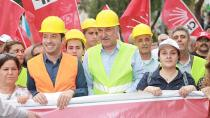 """Karalar, """"Mutlu çalışan, güçlü Türkiye demektir"""""""