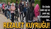 Adana'da Tefeci Aileye Polis Baskını...