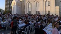Nuri Çomu Vakfından 1500 kişiye İftar!