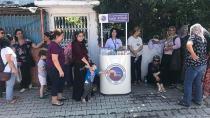 Başkan Aydar sınava giren öğrenci ve velilere ikramda bulundu