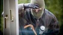 Hırsızlık şüphelisi çift yakalandı...