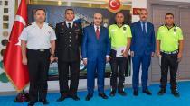 Vali Demirtaş, başarılı personeli ödüllendirdi...