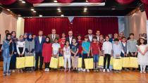 Yaz okullarının başarılı öğrencileri ödüllendirildi...