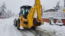 Adana'nın yüksek kesimlerinde yağmur ve kar etkili oldu