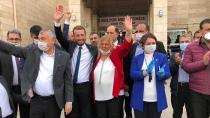 Adana'nın ilk kadın belediye başkanı seçildi...
