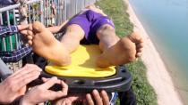 Sulama kanalına düşen çocuk kurtarıldı...
