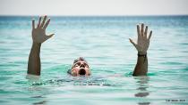 Balık tutarken nehre düşen kişiyi itfaiye kurtardı