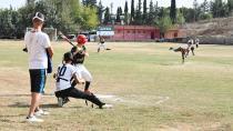 Sarıçam'da beyzbol rüzgarı...