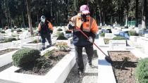 Büyükşehir mezarlıkların temiz ve bakımlı kalması için çalışıyor