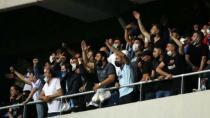Adana Demirspor maçında sokağa çıkma kısıtlamasına rağmen tribünler doldu